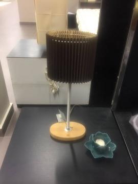 Επιτραπέζιο φωτιστικό και κηροπήγιο σε σχήμα τριαντάφυλλο